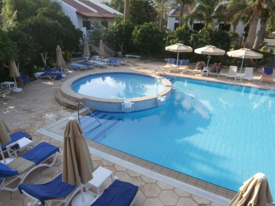 Almond Holiday Village: Childrens pool and shallow end