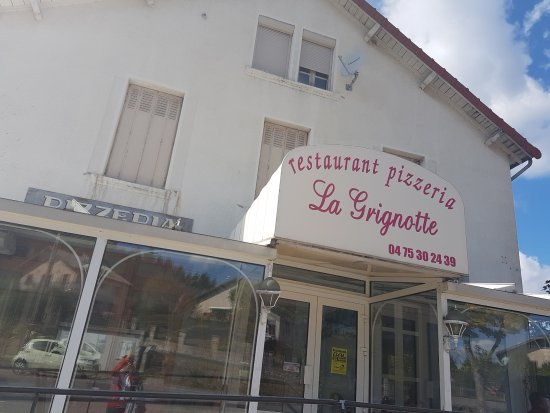 Saint-Agreve, France: esterno del ristorante