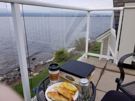 Beacon Pointe Resort: View from rooftop patio/breakfast