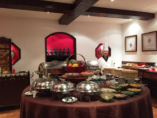 Red Wall Garden Hotel: Breakfast Buffet 2