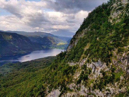 Bohinjsko Jezero, สโลวีเนีย: On the way up