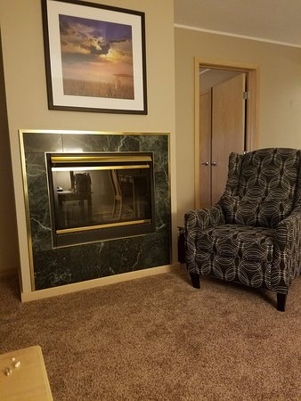Egg Harbor, WI: Two-Sided Fireplace