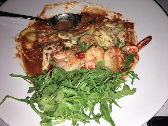 Novo Restaurant & Lounge: Ravioli with shrimp