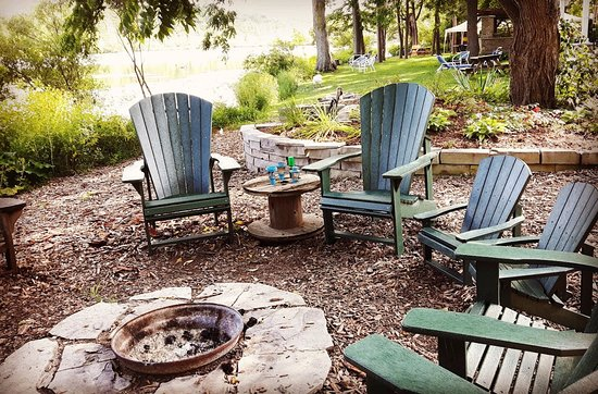 Forest Motel & Woodland Retreat: The fire pit - The Fire Pit - Picture Of Forest Motel & Woodland Retreat, Stratford