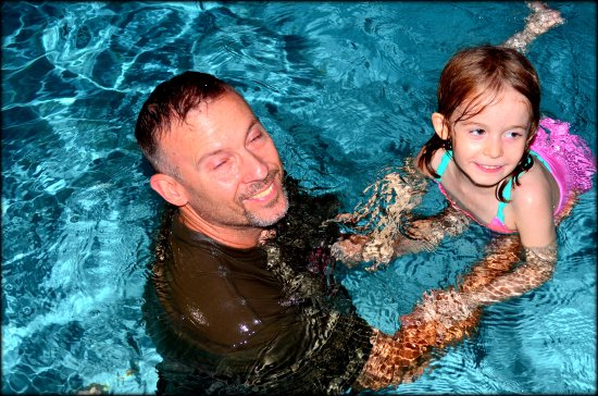 Best Western Santa Fe: Fun in the pool!