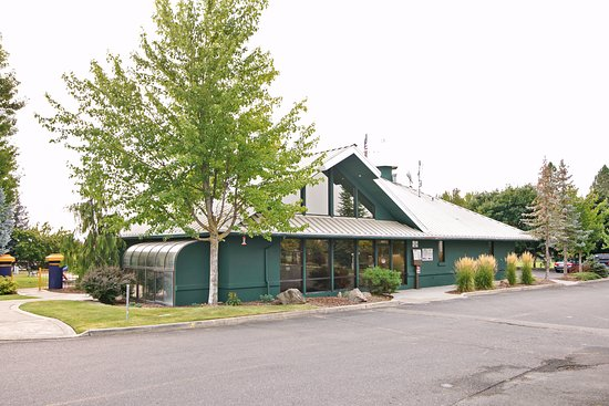 Mead, WA: General Store