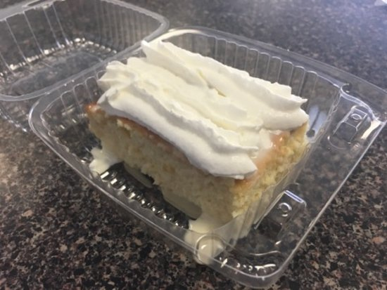 Rio Rancho, Нью-Мексико: Tres leches by the slice or whole cake (must be pre-ordered the day before)!