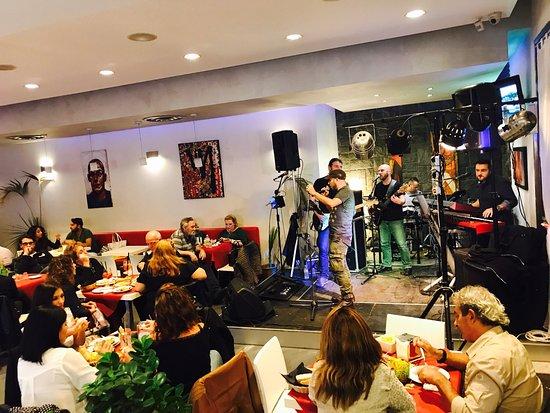Pedara, Itália: Caffè Mazzella