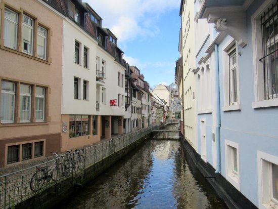 Bachle : Larger canal