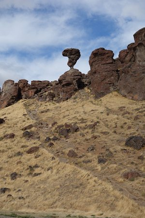 Buhl, ID: View of Balanced Rock from Parking Lot