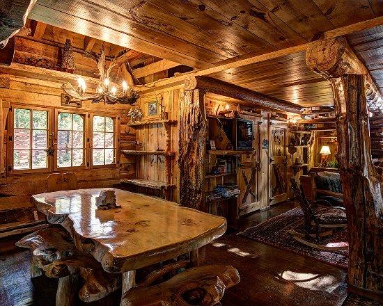 Boulder Junction, WI: Kodiak Kastle interior