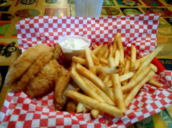 Dowagiac, MI: Fish and fries