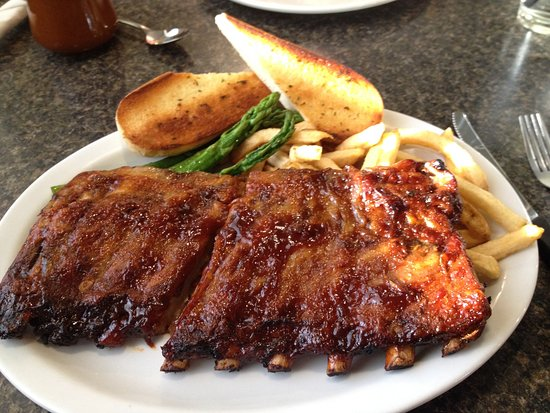 Claresholm, Canada: Big portion of ribs