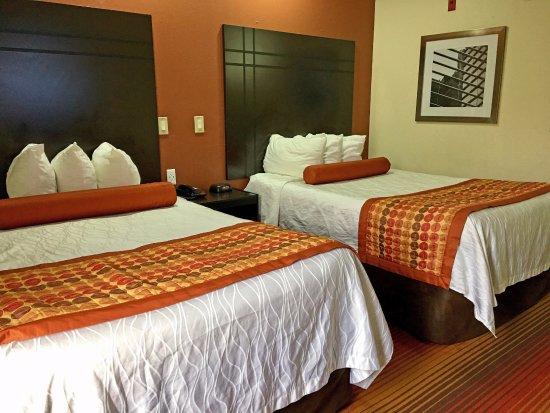 Clinton, MS: Two Double Beds Suite