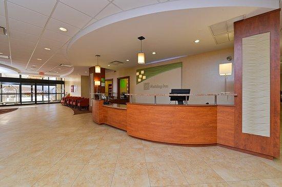 Mount Prospect, IL: Lobby