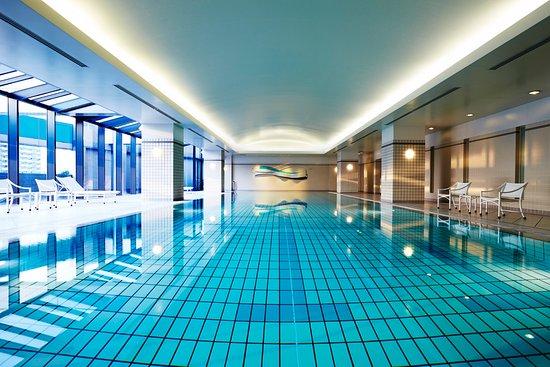 Hyatt Regency Osaka: Indoor Swimming Pool