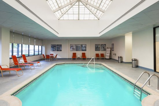 Sheraton Lincoln Harbor Hotel: Pool