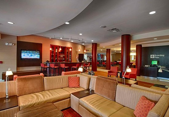 Wall Township, نيو جيرسي: Lobby Sitting Area