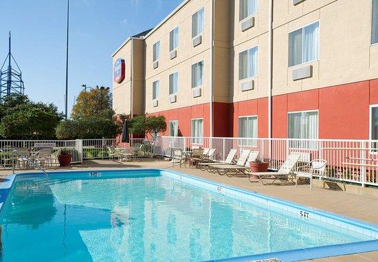 เออร์วิง, เท็กซัส: Outdoor Pool