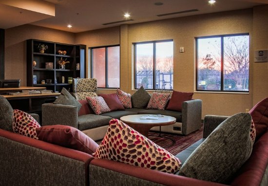 Norman, OK: Lobby Seating Area