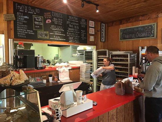 Gladwin, ميتشجان: Fruitful Orchard and Cider Mill | Gladwin, Michigan