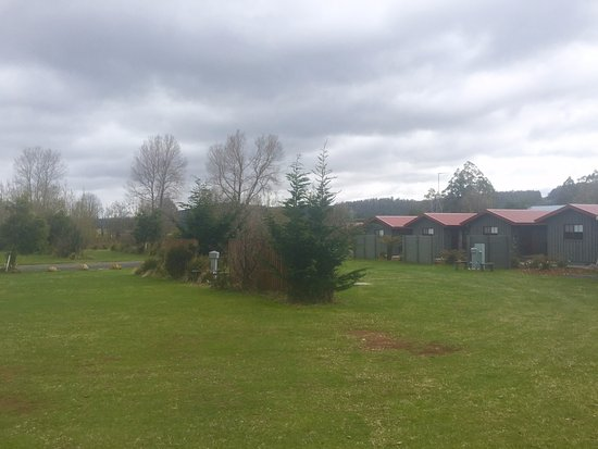 Tarraleah, Australia: Caravan Park powered area and cabins