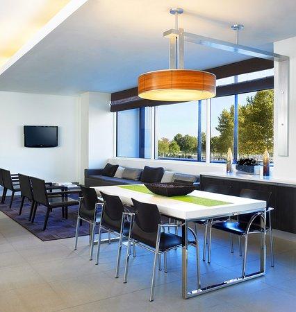 Element Ewing Princeton: Rise: Breakfast Seating Area