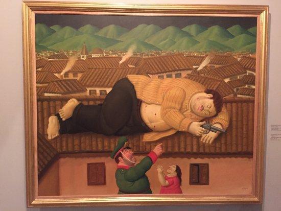 Museo de Antioquia: Pablo Escobar muerto, obra de Fernando Botero. Impresionante.
