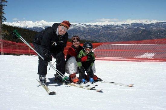 Lakewood, CO: Family Ski Package