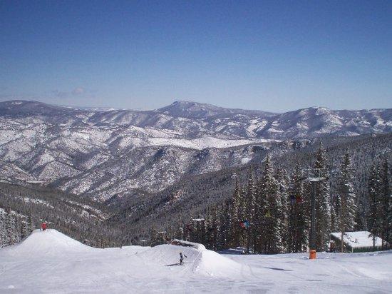 Lakewood, Colorado: Denver Skiing Vacations
