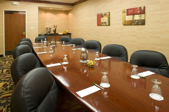 เลกวูด, โคโลราโด: Need meeting space in Denver..we offer meeting and event rooms