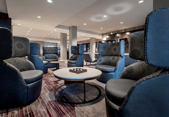 Schenectady, Nova York: Lobby Seating Area