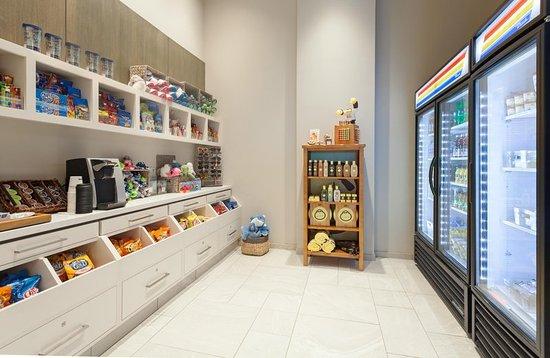 Snack Shop Picture Of Hilton Garden Inn Fort Walton Beach Fort Walton Beach Tripadvisor