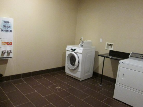 Newell, Virginia Occidental: Laundry Facility