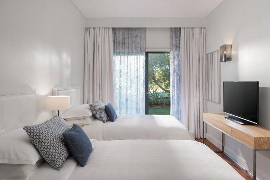 Sheraton Cascais Resort: Three-Bedroom Premium Residence - Double Bedroom