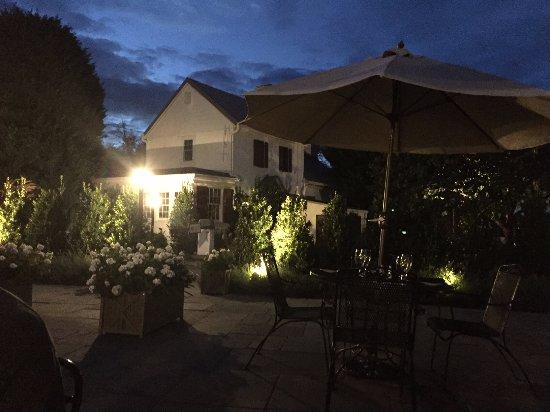 Middleburg, VA: Patio at Red Fox Inn & Tavern