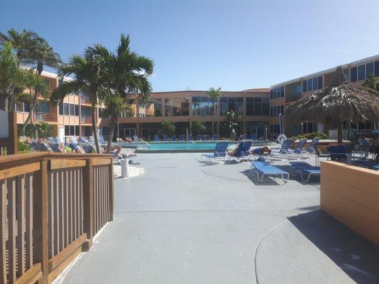 Dolphin Beach Resort: 20171004_110838_large.jpg