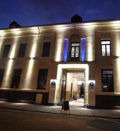 Restaurant Place Du Barlet Douai