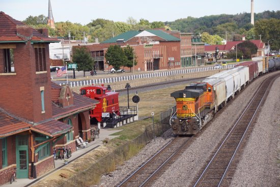 Fort Madison, IA: A train passes the museum