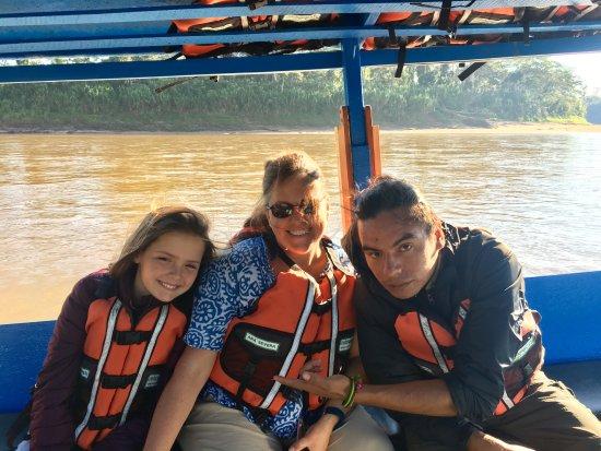 Refugio Amazonas: Transportation along the Amazon