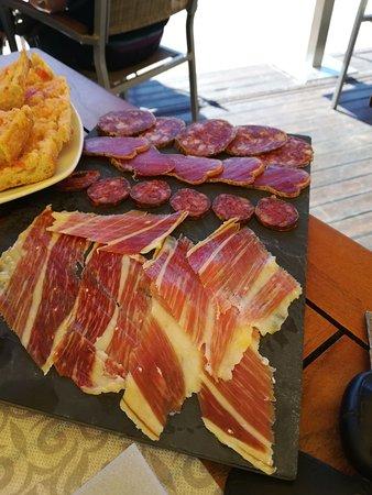 Restaurant Felix : Menu tapas impresionante. Visita obligada en Estartit. Profesionalidad, simpatia y grandes perso