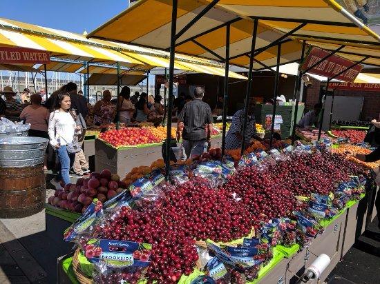 Vegetable market on fisherman 39 s wharf san francisco for San francisco fish market
