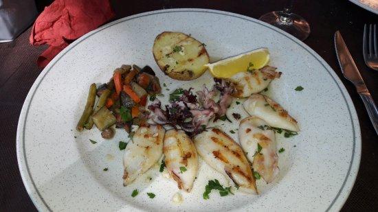 Colera, สเปน: Calamars grillés