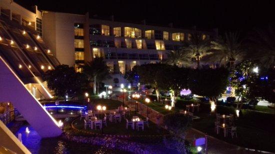 Al Raha Beach Hotel Photo