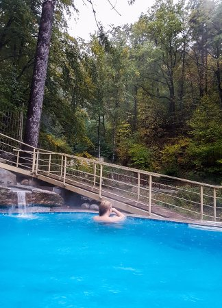 Therma Kostenets: outside hot pool <3