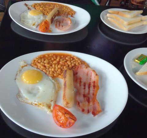 The Castle Bar: English Breakfast