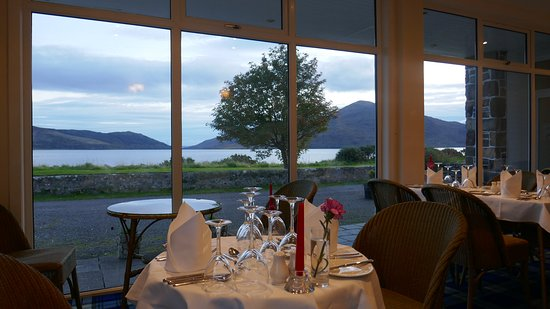 Balmacara Hotel: Dining room with a view
