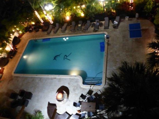 Regency Hotel Miami: Pool abends