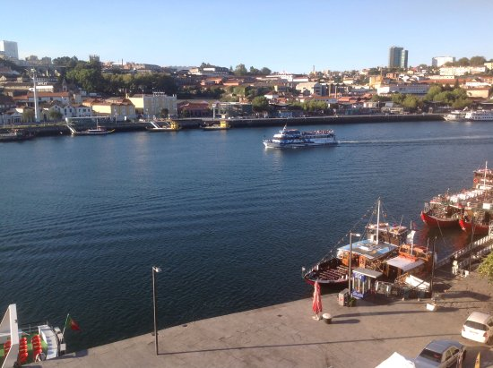 Guest House Douro: Photo taken from bedroom window