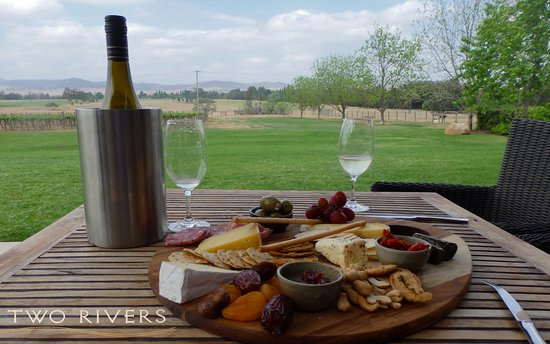 Two Rivers Wines: can you beat this for lunch?
